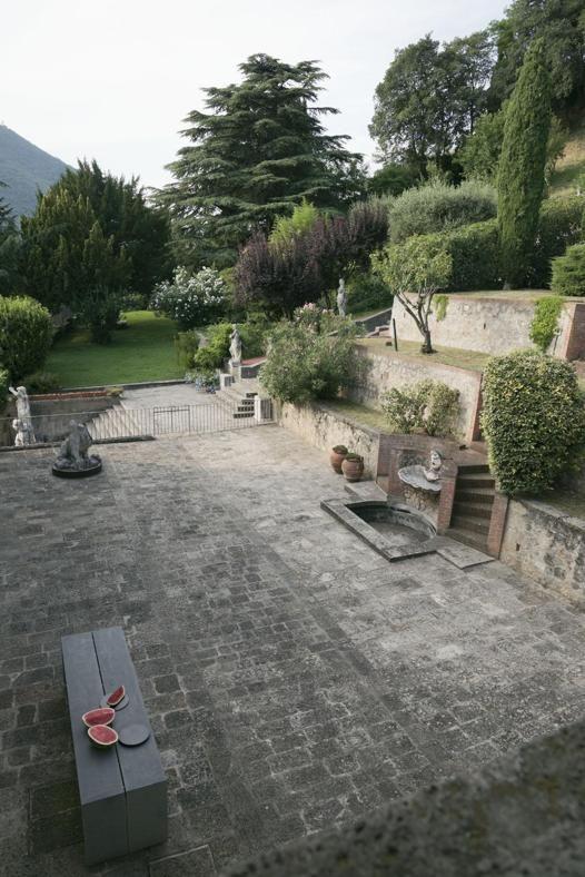 Appartamento di Villa Nani Mocenigo (XVI sec). Location: Monselice, Padova, Italy; firm: studio Parisotto + Formenton; photos: Paolo Utimpergher.