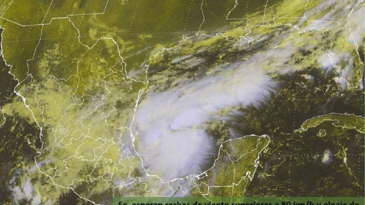 Katia se convierte en huracán antes de tocar tierra en México   Internacional   EL PAÍS