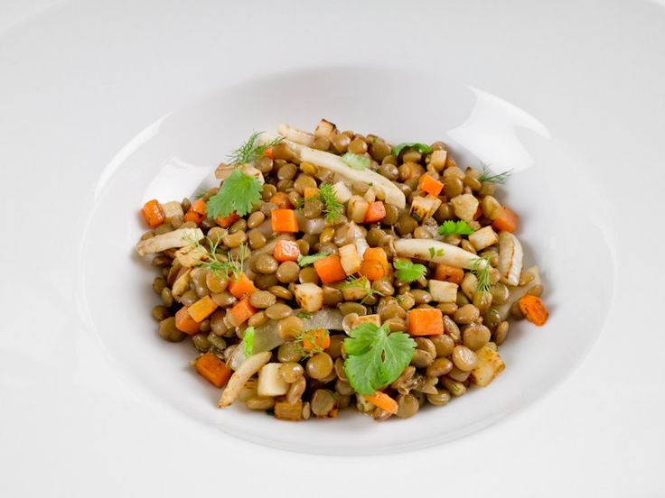 Anyone who says healthy eating is expensive obviously have not heard of lentils, or legumes for that matter. Green lentils are a good source of protein, dietary fiber, complex carbohydrates, iron and calcium. In addition to being tasty, nutritious and cheap, they are also very versatile. Lentils go equally well with meat, poultry and fish.  Double