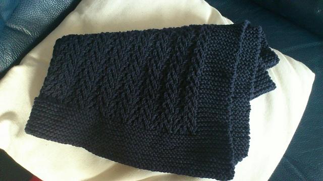 Ravelry: lemonemu's Nicely Navy Baby Blanket