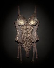 Jean Paul Gaultier, Korset gedragen door Madonna