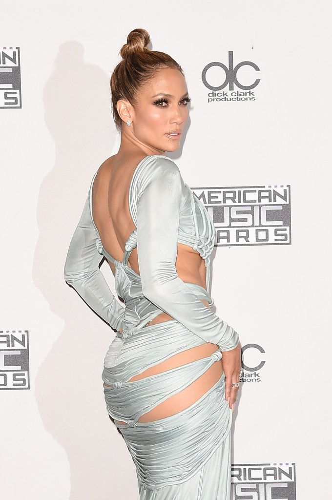 Life Inspiration: All 10 Beauty Looks Jennifer Lopez Wore at the AMAs
