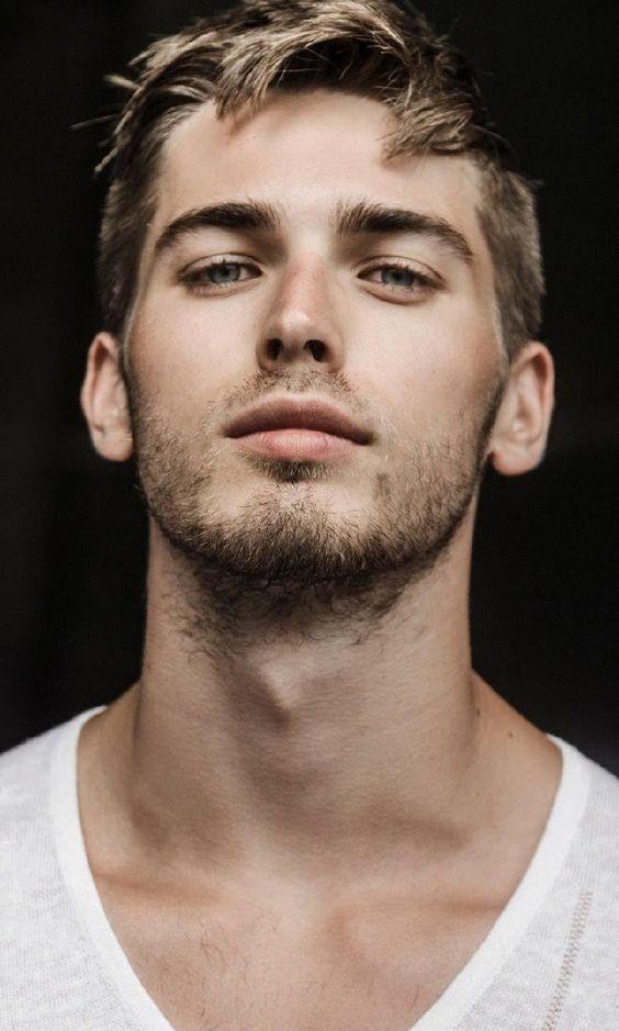 Männerschönheit   – Men's Beauty