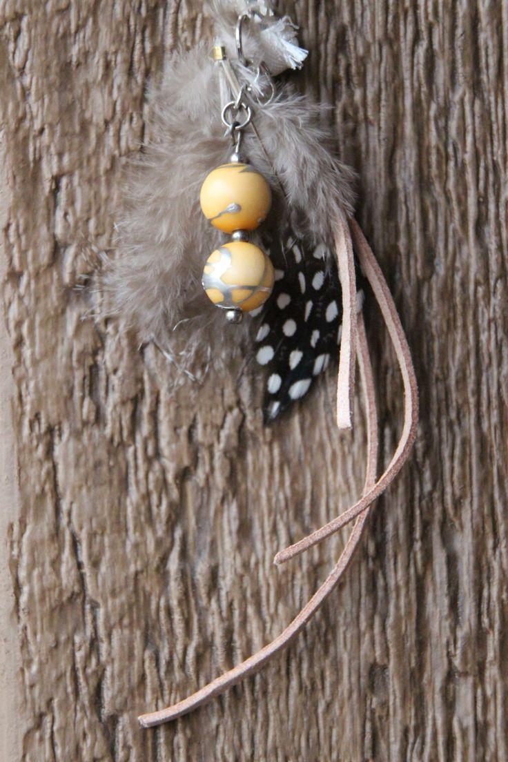 Dreads Bijoux Hippie Recyclé Perle Vintage beige vrai Plume argent métal fil de Feutre attache perle argent fait main Québec de la boutique DreadsQuebec sur Etsy