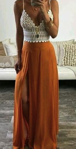 For Everyone. Blog @ #DapperNDame Pinterest. dapperanddame.com LOVE THE GLORIOUS RUST COLOUR OF THE SKIRT, MATCHED WITH THE 'CROCHETED' TOP ? - AWESOMENESS!