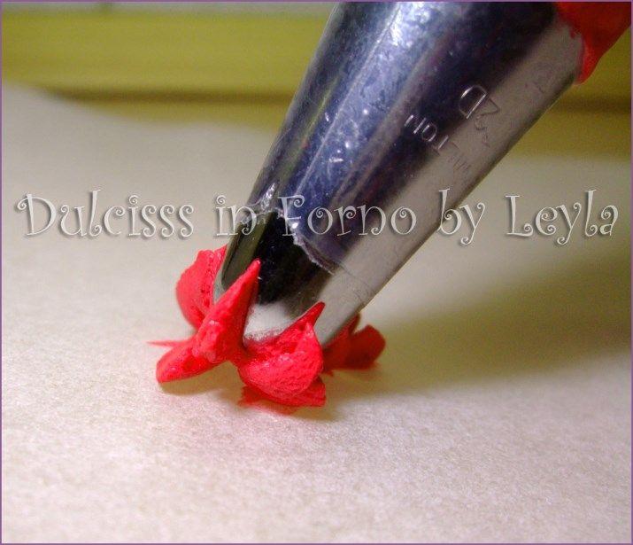 rose di crema con sac a poche, tutorial