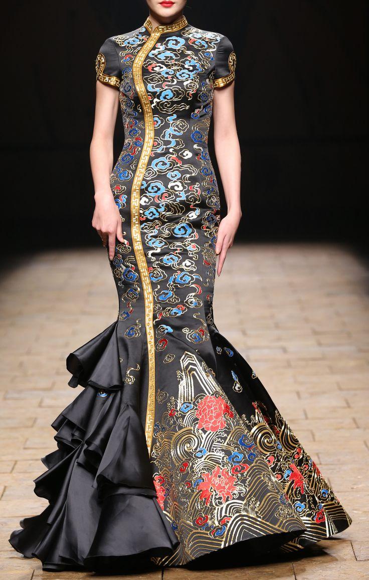"""Zhang Zhifeng - NE TIGER show """"Ming Li"""" S/S 2015 #Huafu #Couture"""