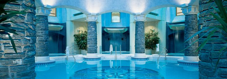 Reminiscent of the hot springs that beckoned travellers over 100 years ago, this mineral pool soothes and rejuvenates.