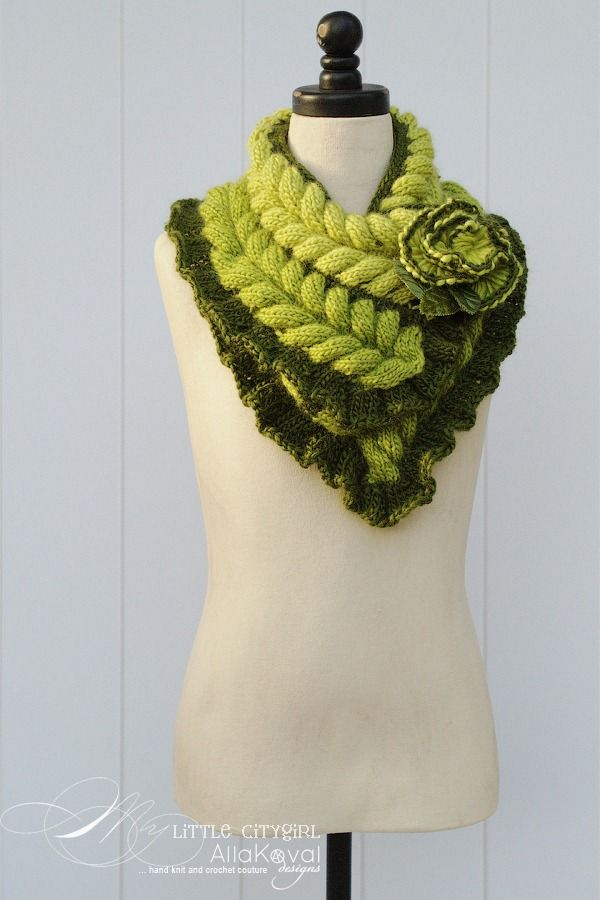 Rapunzel Scarf knit inspiration, this should be in winter white