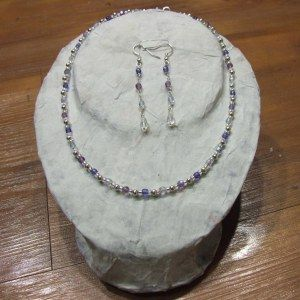 How to: Make your own necklace stand | Embergrass Jewelry | Blog
