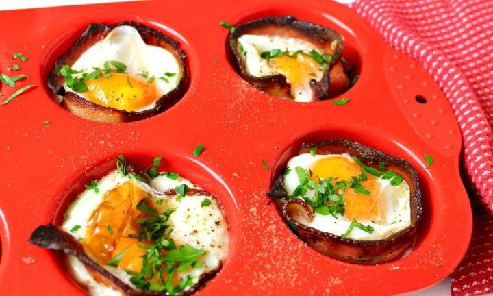 How to make egg and bacon cups - Kidspot