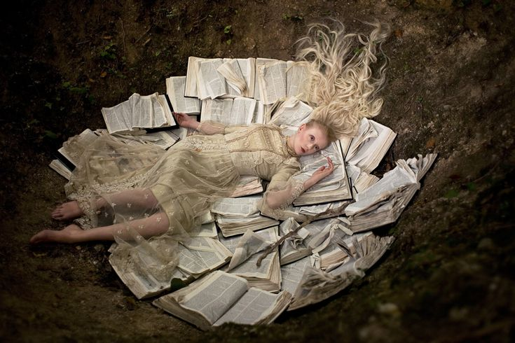 Once Upon a Time in Wonderland, a spectacular photographic series by Kirsty Mitchell - check it out!