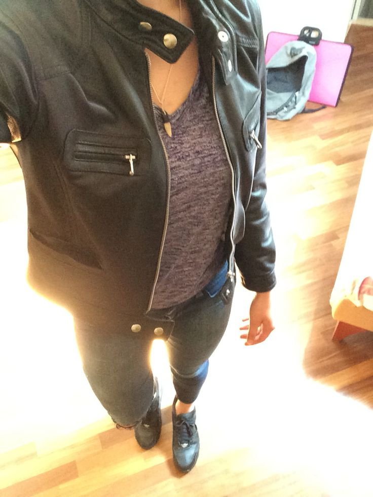 Black simple leather jacket Under armour purple t-shirt Blue benetton jeans Black nike airmax ltr 90 (also on my board MyShoes)