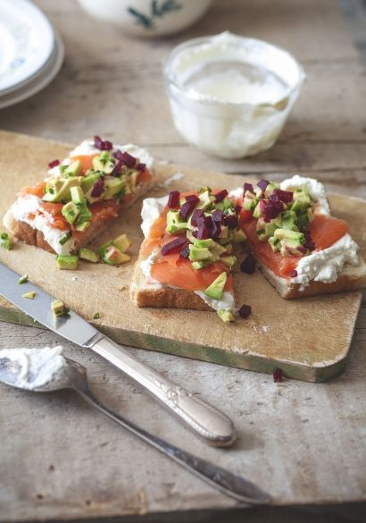 Smoked salmon, avocado, beets and whipped cream toasts