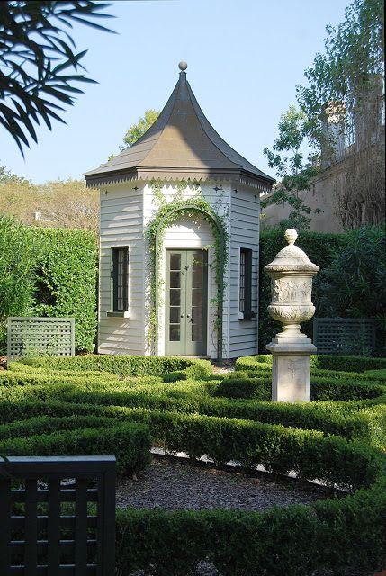 98 best images about interesting garden follies so for Interesting garden buildings