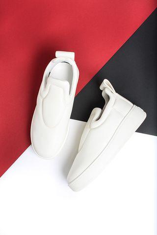 Céline: All White Sneakers #celine #sneakers