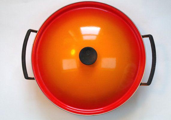 Gorgeous Le Creuset Cast Iron Wok with Metal Lid Ombre Orange Flame Rare