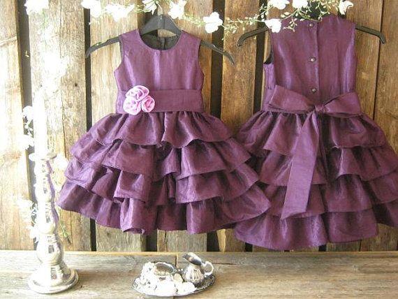 Purple flower girl dress. Taffeta flower girl dress by englaCharlottaShop, €45.00 #purpleflowergirldress #girlsruffledress