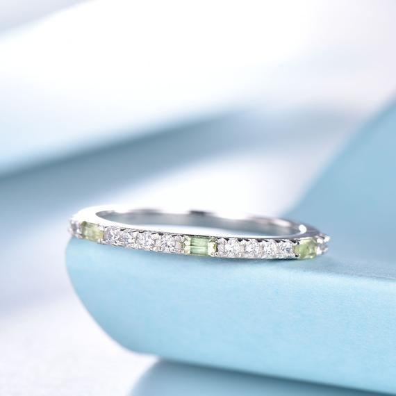Peridot Ring Peridot Diamond Band August Birthstone Ring Etsy In 2020 August Birthstone Ring Peridot Birthstone Ring Gold Ring Stack