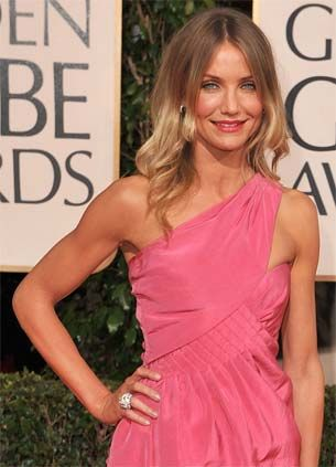 Cameron Diaz – cute dress and AMAZING arms as accessories.  Look at those beautiful dips around the triceps.  Such definition, perfection!