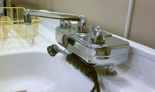 country kitchens country kitchen sink sink faucets kitchen faucets ...