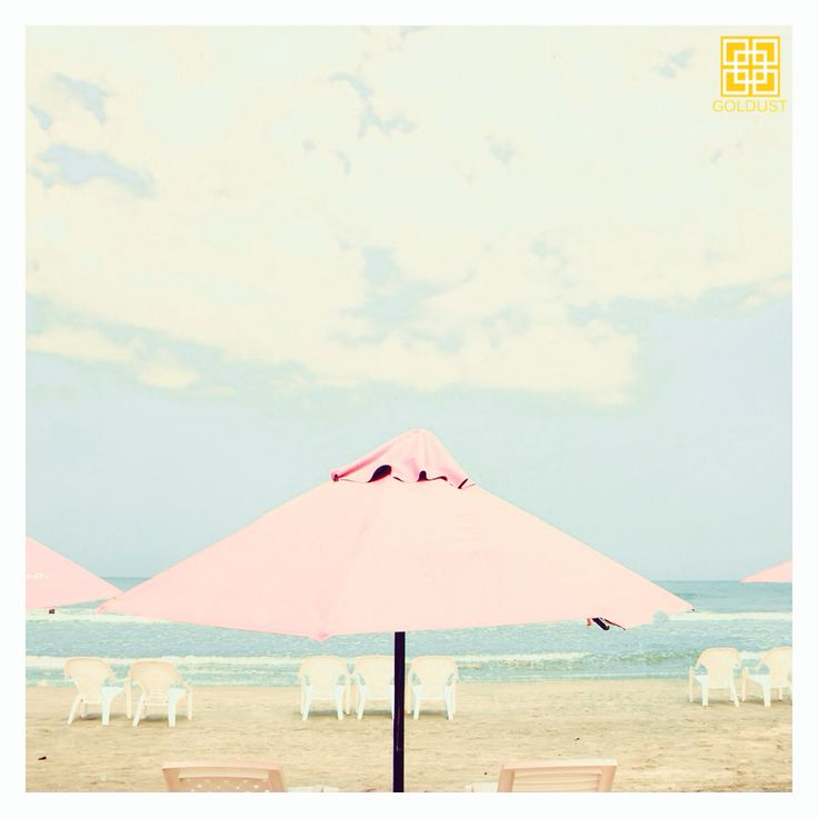 After a beautiful day at the beach, rehydrate your skin with a GOLDUST hydrating and nourishing massage. |GOLD | FEEL LIKE GOLD | 24K GOLD | BEAUTY | SKIN CARE | BODY CARE | NAIL CARE | BODY & BEAUTY PRODUCTS | FACIAL | MASSAGE | MANICURE | PEDICURE | NAIL POLISH | HAIR SPA | TREATMENTS | RELAX | PAMPERING | LUXURY | INDULGE | JEWELRY | RESORT WEAR | HEALTHY GLOW | WELLBEING | SPA | DAY SPA | BEAUTY LOUNGE | BEACH | SUNSET | TROPICAL | SUMMER | CANGGU | BALI | INDONESIA