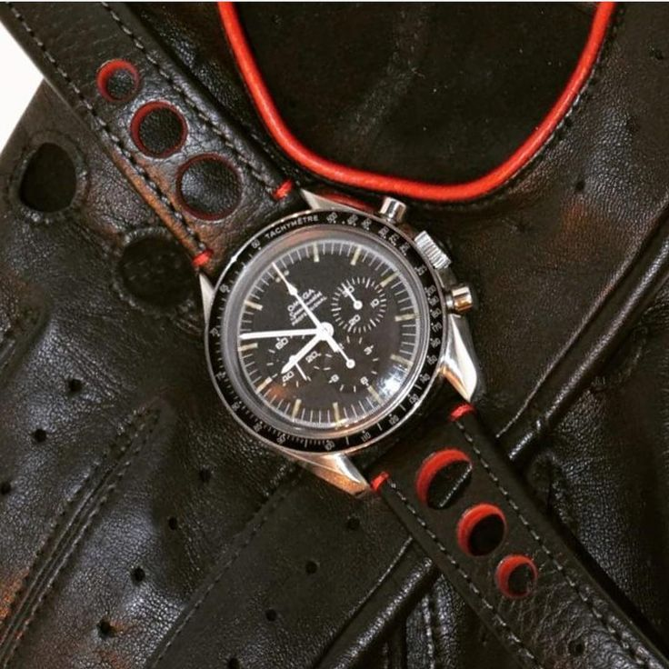 Repost from @espritnato thanks for sharing . A HIRSCH Rally on this stunning @omega speedmaster. .  .  #hirsch #hirschbracelet #hirschstrap #hirschwatchstrap #chronowatch #chronowatches #omega #Moonwatch #omegavintagewatch #omegaspeedmaster #omegaspeedy #