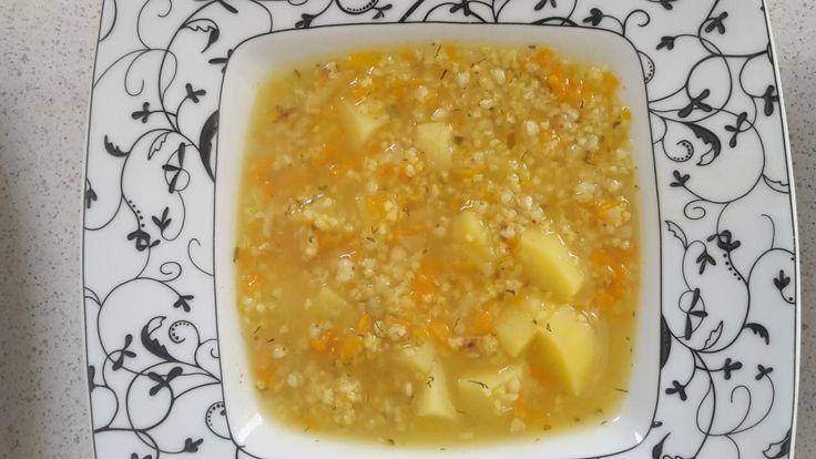 Jedną z ulubionych zup u nas w rodzinie jest krupnik jaglano -gryczany. W moim wydaniu krupnik jest zawsze mega gęsty więc jest niezwykle sycący i zdrowy. Potrzebujemy: 3 marchewki duża pietruszka …