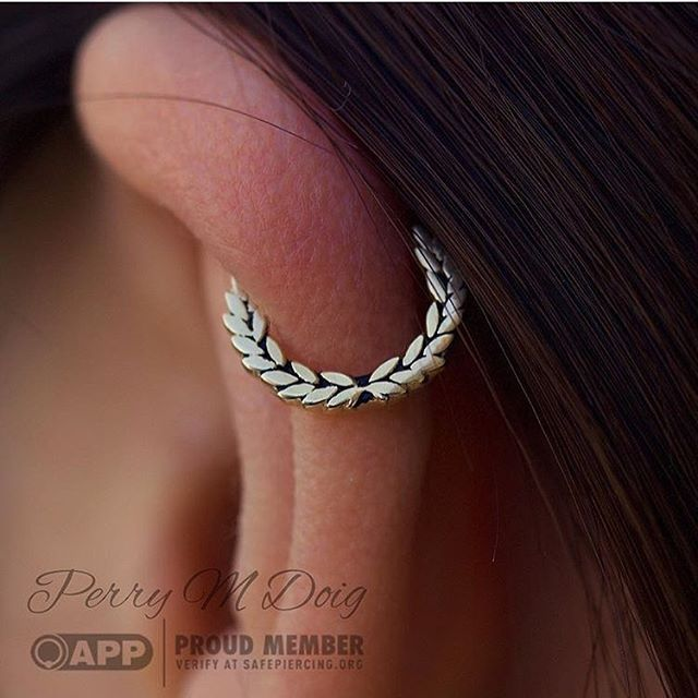 Healed Helix Piercing by @perrymdoig  - Jewelery by @bvla