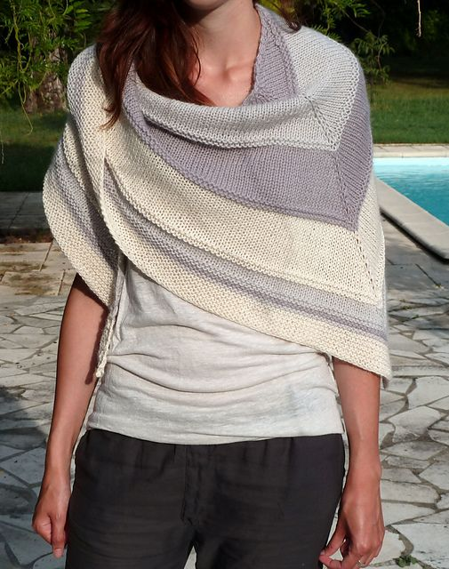HOW LOVELY IS THIS??? Douceur by Mademoiselle C.  Free pattern on Ravelry.