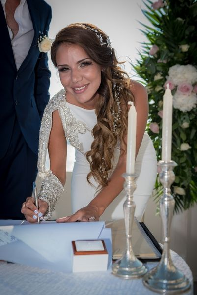 Gorgeous bride!! #husband #wife #ceremony #decoration #inspiration #santorini #greek #island #thediamondrock #wedding #planner