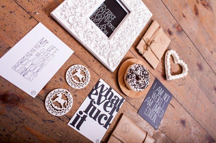 http://mmhd.pl/produkt/kartki-pocztowe-set-of-love-it-send-it-postcards