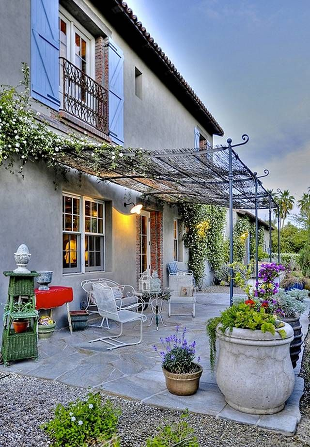 French Patio Decor. This French Patio is a dream! #Patio #FrenchDecor