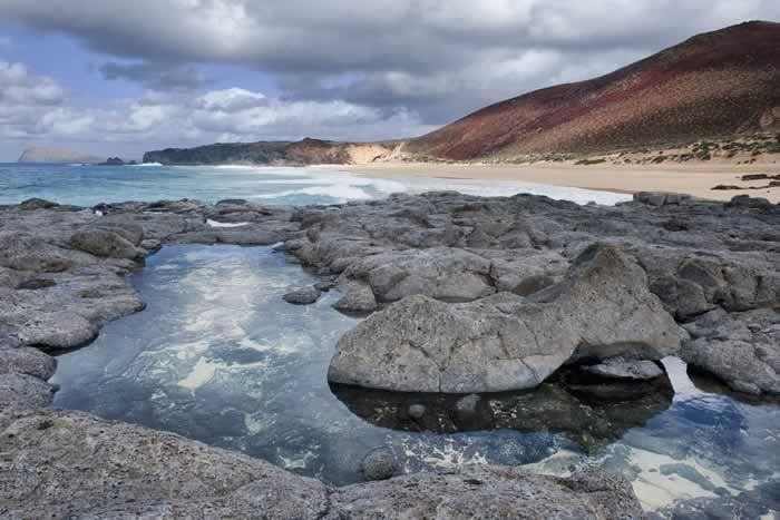 Deserted beaches of #LaGraciosa #rockpool