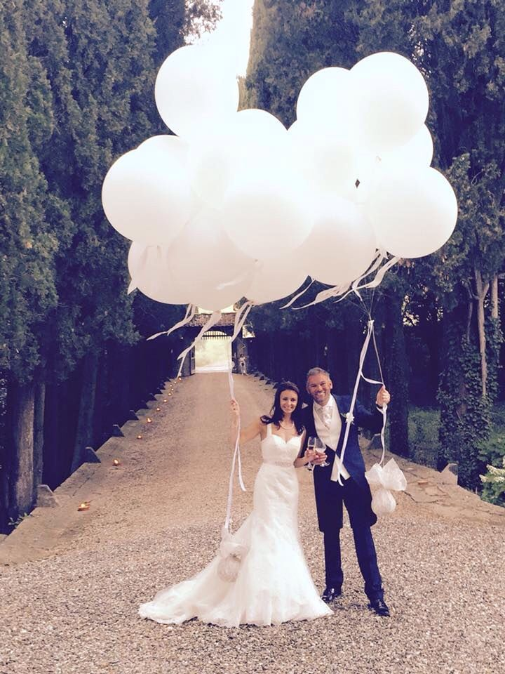 Mr&Mrs just married! Castello il Palagio main avenue