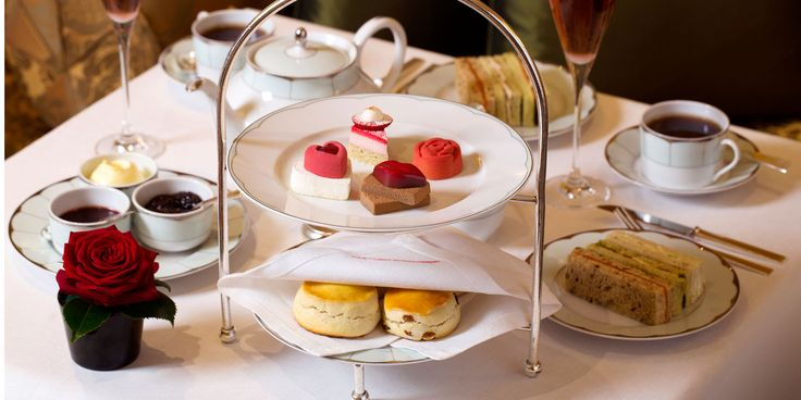 The Promenade is known throughout the world for its award-winning afternoon tea in London.  Dorchester Hotel