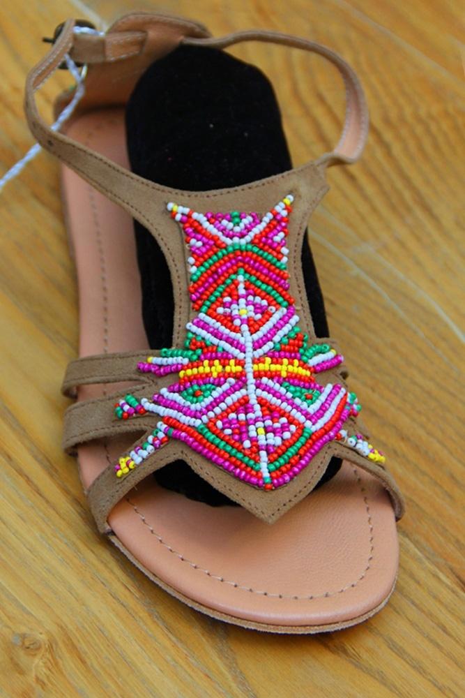 April First Sandalet - 195.00 TL  Fransa'dan ithal ettiğimiz April First marka bu sandalet sezonun en trend renklerinde hippi şıklığı sunuyor... // Moda ZiGi