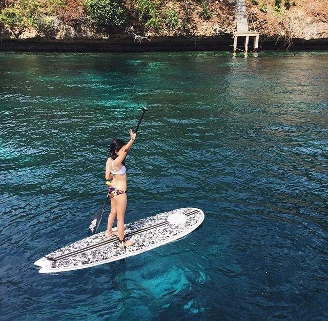 My happy place. Courtesy of @mchristhabella in #Instagram. #lembongan #pulauluxurycharters #standuppaddleboard #wateractivity #bali #windernesia #destination #beautifulbali #summer #bikini