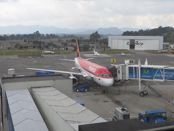 #Vista Sala #VIP #SinFiltro #Aeropuerto #Airport José María Córdoba. #Avianca. #Medellin #Rionegro #Antioquia @Cielos y Muros