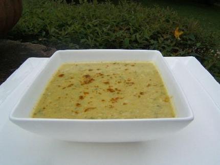 Soupe de courgette à l'indienne (curry, lait de coco)