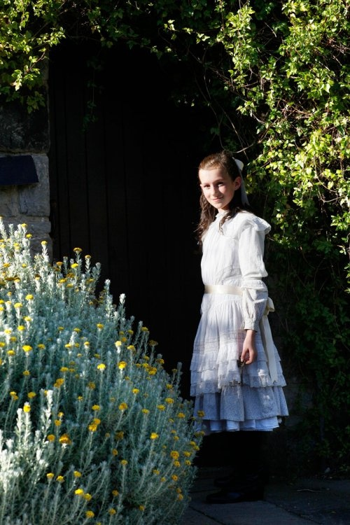 mary lennox costume Flowers in the attic, Book week