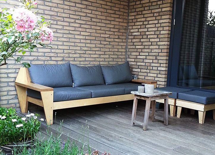 Do it yourself: Outdoor Lounge handmade by Ilse | Zelfgebouwde Lounge tuinbank 'Leon' door Ilse met werktekeningen van meubelwerktekening.nl