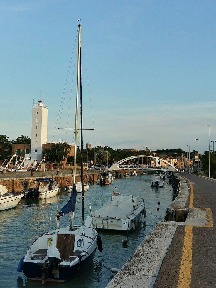Dal porto guardo la città