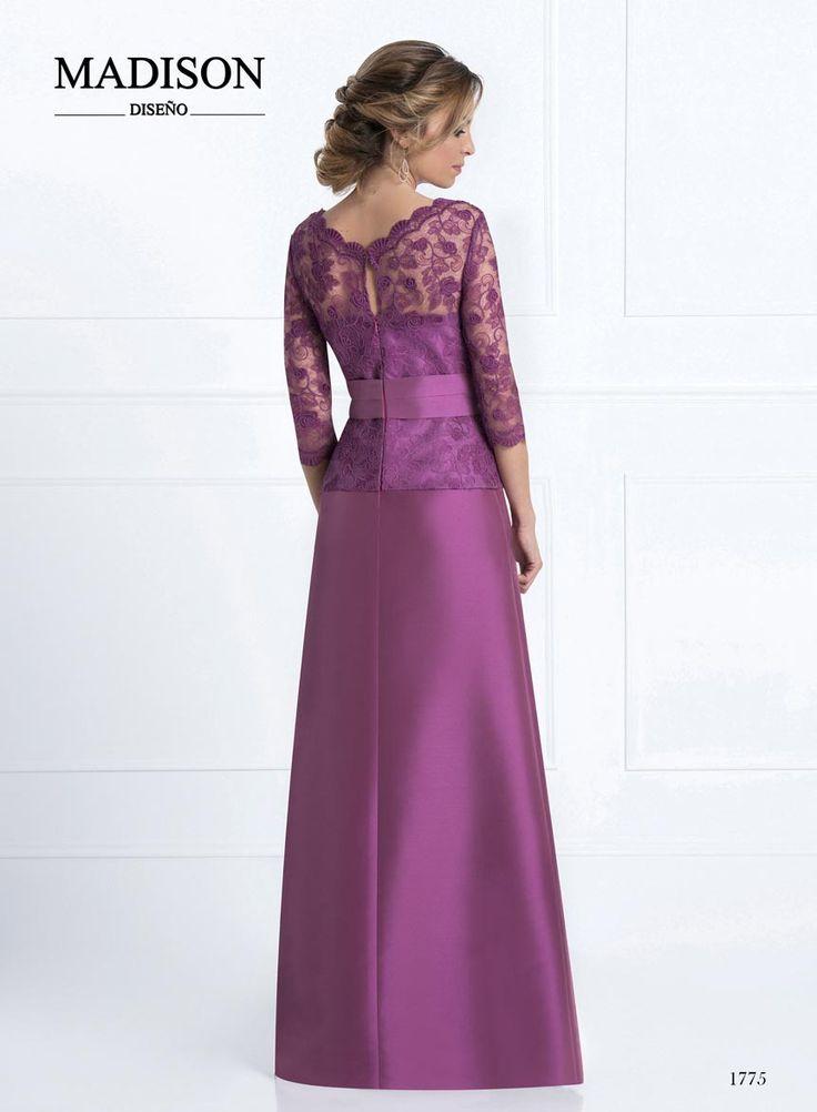 vestido boda largo color morado de encaje