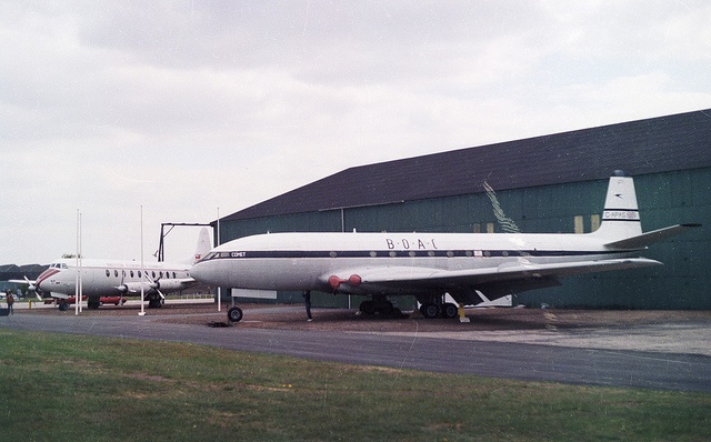 De Havilland DH-106 Comet 1XB  G-APAS, British European Airways, RAF Museum, Cosford, 1981. by ATom.UK, via Flickr
