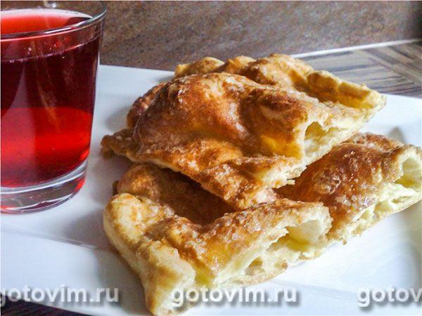 Альмойшавена ALMOIXАVENA (MOIXАVENA) - лепешка из заварного теста по испанскому рецепту. Перед выпечкой верх лепешки посыпают сахаром и корицей. Можно есть горячей и холодной, с чаем, молоком, компотом.