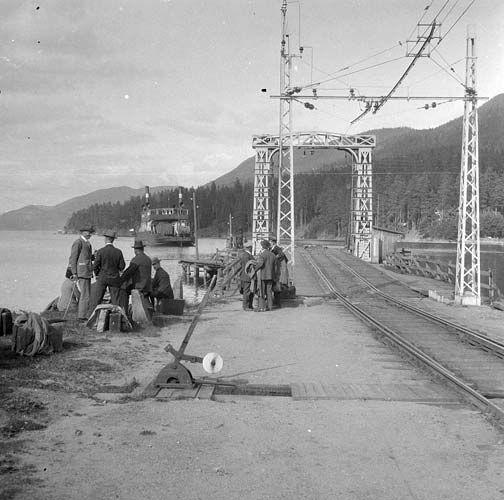 Tur til Notodden og Rjukan 1927. Færger ved Tinnoset fra marcus.uib.no