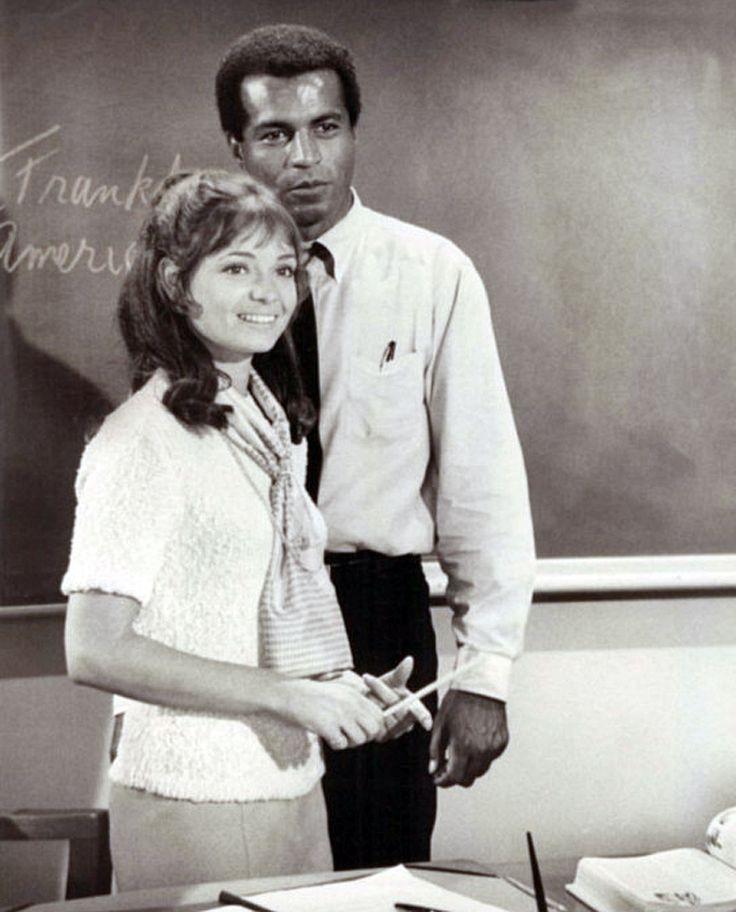 Karen Valentine & Lloyd Haynes in Room 222 (1969-74, ABC)