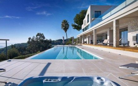 Massive Contemporary 6 Bedroom Estate in Cannes: Villa Chamade
