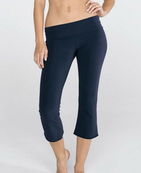 Top Stylish And Trendy Capri Pants For Girls